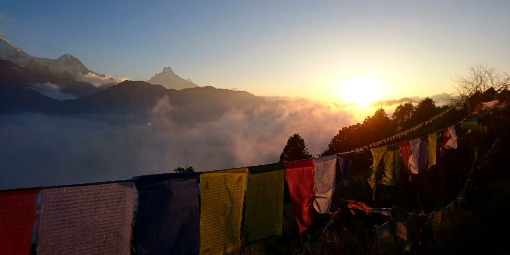 Explore the Annapurna trek in nepal when you volunteer
