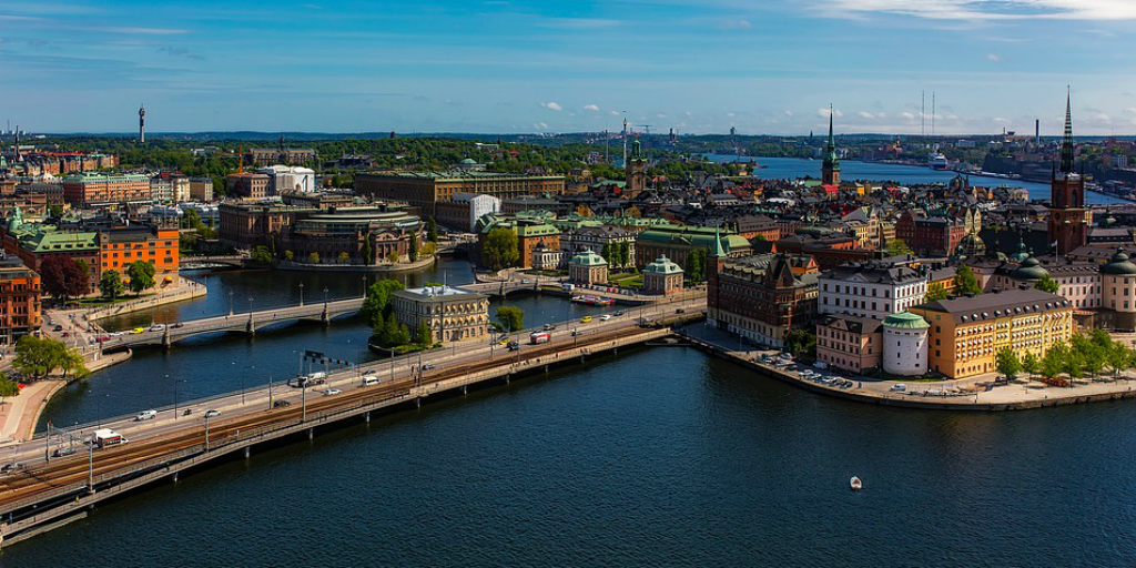 Stockholm depends entirely on renewable energy.
