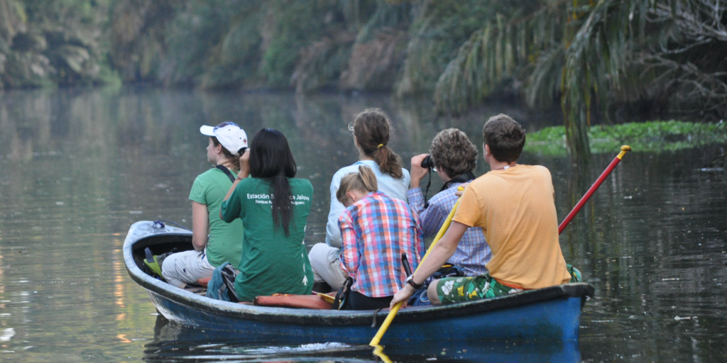 Environmental volunteer opportunities for teens in Costa Rica