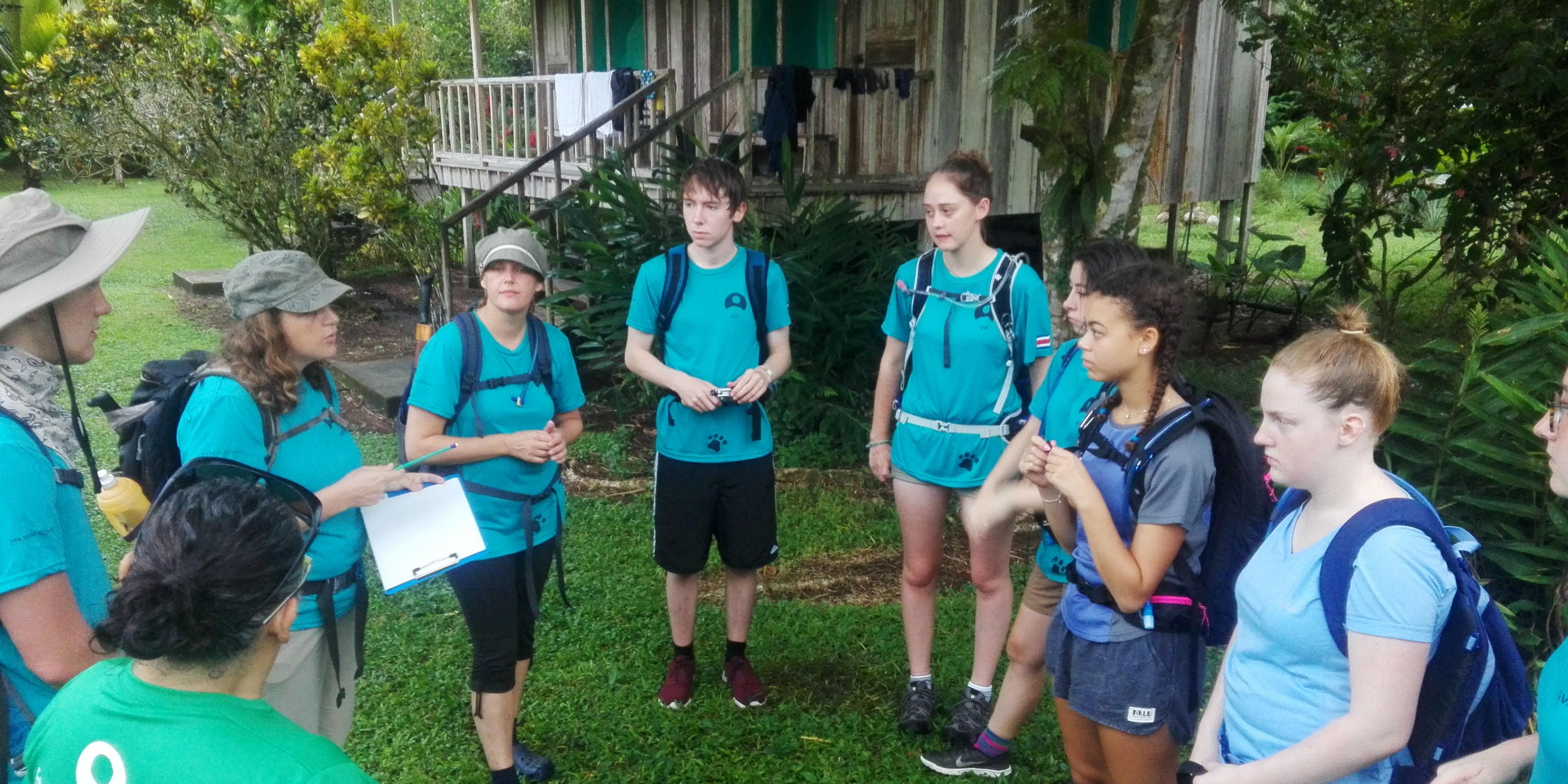 Teen volunteers on GVI's rainforest conservation program in Costa Rica