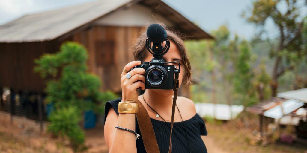 Volunteer who enjoys photography