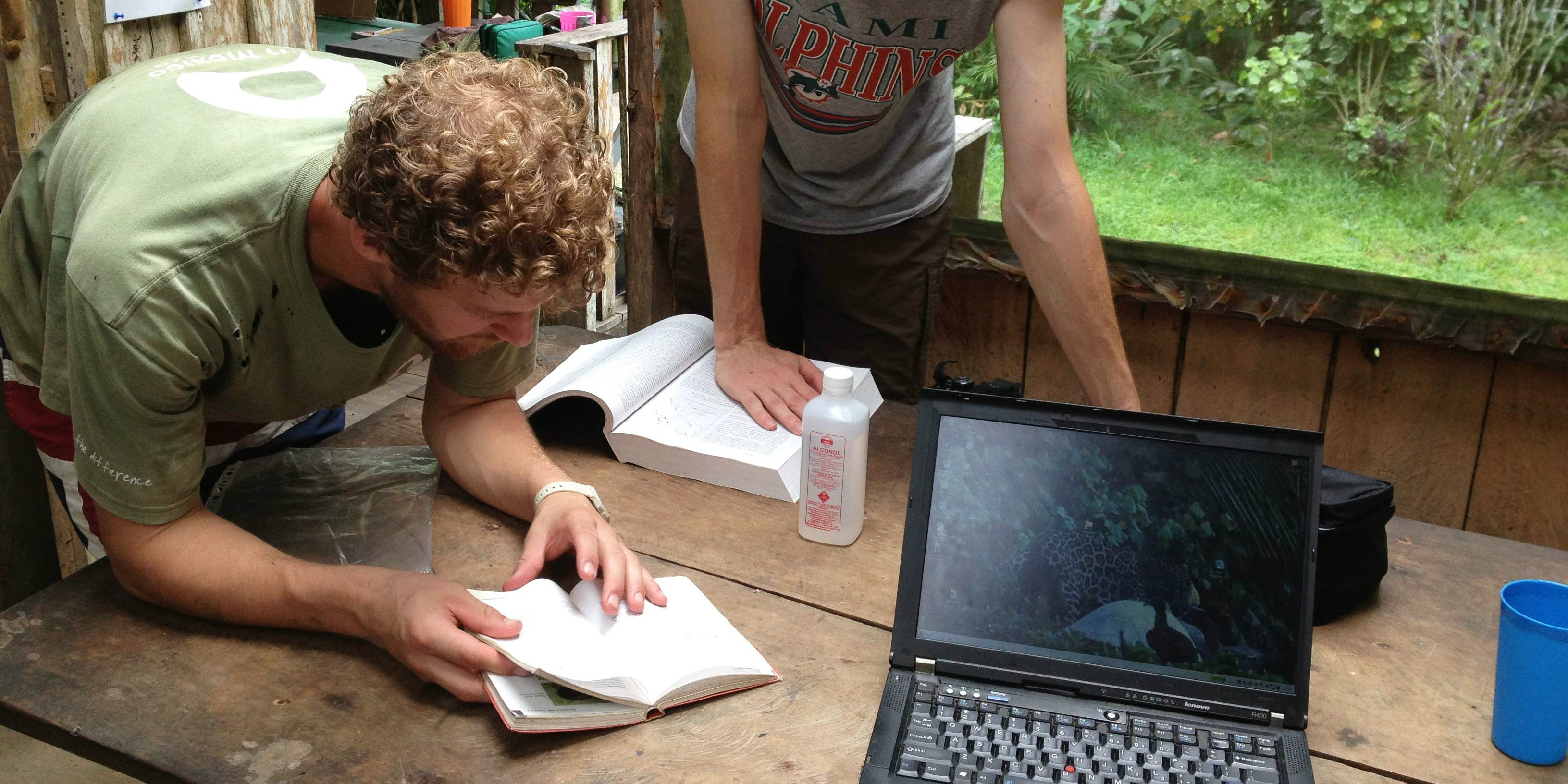 Paying to volunteer means programs can afford to bring on industry experts to review programs. Pictured: GVI staff review resources in Jalova, Costa Rica.