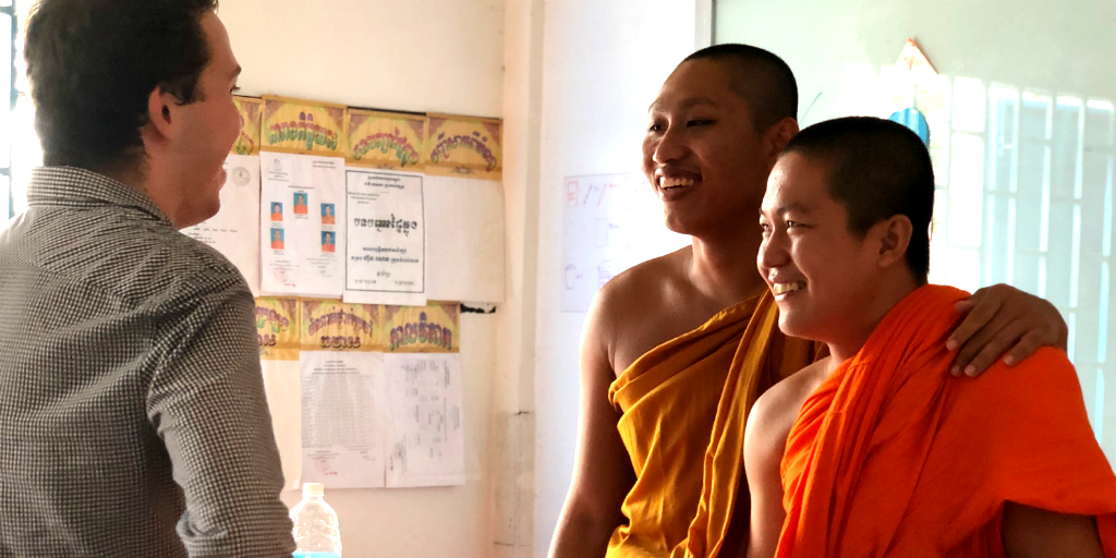 Buddhist novice monks and a GVI volunteer