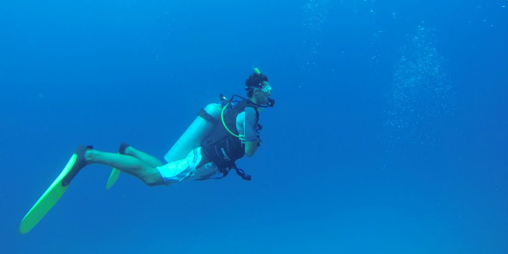 Always wanted to scuba dive? Our gap year for adults programs will allow you to explore the beautiful blue oceans like never before.