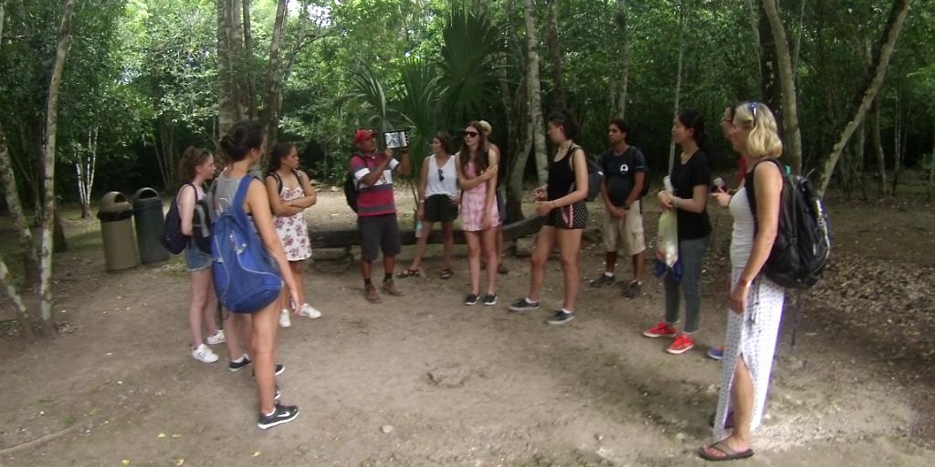 volunteers on an international service learning abroad trip