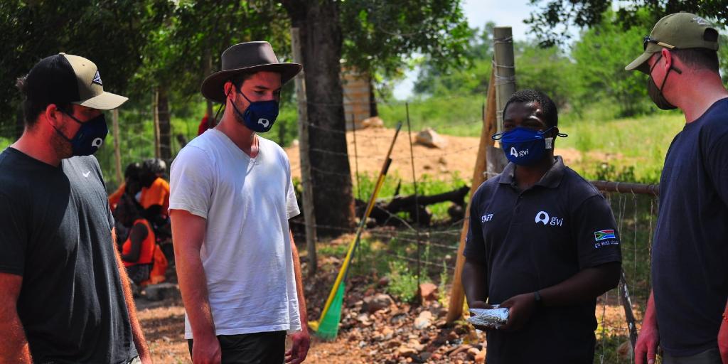 GVI limpopo volunteers working on Karongwe Game Farm